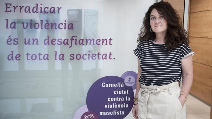 Núria Jiménez, al Centre d'Informació i Recursos per a les Dones de Cornellà