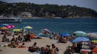 Desmantellen una festa il·legal amb unes 150 persones a cala de Lloret de Mar