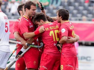 L'equip espanyol fa pinya després del gol aconsequit per Pau Quemada