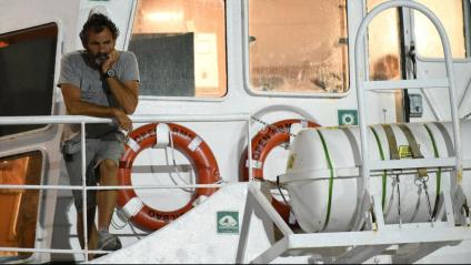 Òscar Camps, fundador de Proactiva Open Arms, al vaixell d'on van desembarcar els immigrants, dimarts a Lampedusa
