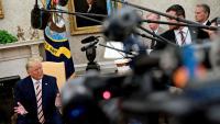 Trump parla amb la premsa al Despatx Oval de la Casa Blanca