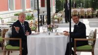 Trump i Macron, dinant plegats ahir a Biarritz, en la sessió inaugural de la reunió del G-7