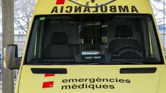 Mor el conductor d'un turisme després de la col·lisió amb un camió a l'A-2 a Lleida