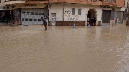 Més evacuacions en trencar-se de nou els dics del Segura