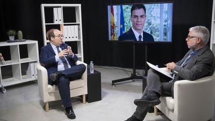 El primer secretari del PSC, Miquel Iceta, amb el director d'El Punt Avui, Xevi Xirgo