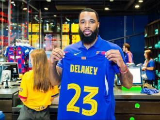 Delaney, ahir a la botiga del Barça