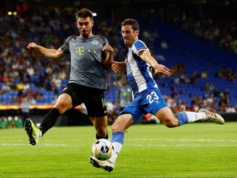 Granero lluita una pilota en el partit d'aquest nit davant el Ferencváros.