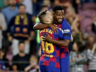 Fati i Jordi Alba, en el partit contra el València en què el jugador de Guinea Bissau va marcar