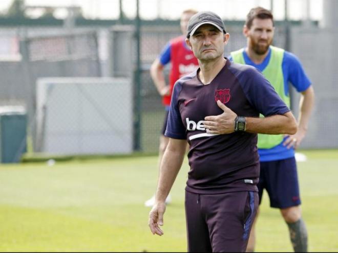 Ernesto Valverde, en un entrenament d'aquesta setmana amb l'equip