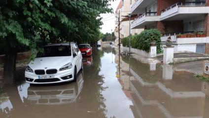 Un carrer de Platja d'Aro totalment inundat