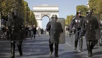 Agents de la policia antiavalots desplegats a París per contenir les diferents protestes convocades, ahir