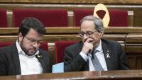 El vicepresident i conseller d'Economia, Pere Aragonès, i el president, Quim Torra, en un ple del Parlament