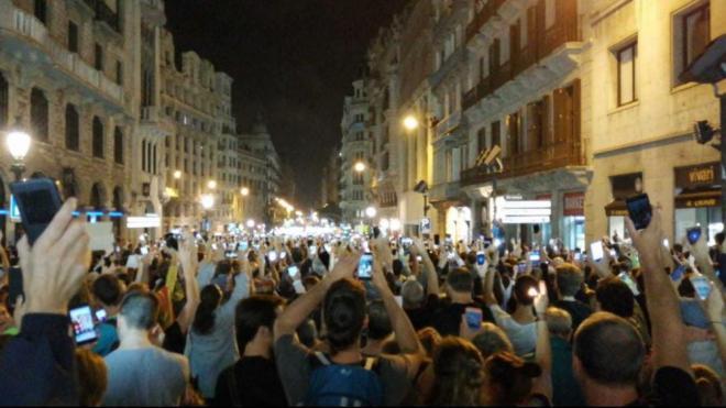Aquest és l'aspecte que tenia la Via Laietana aquesta nit