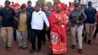 El president de Moçambic, Filipe Nyus, amb la seva esposa