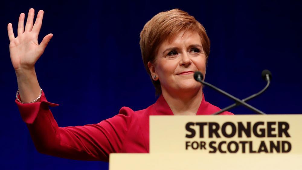 La primera ministra d'Escòcia, Nicola Sturgeon, durant la seva intervenció a la conferència de tardor de l'SNP a Aberdeen
