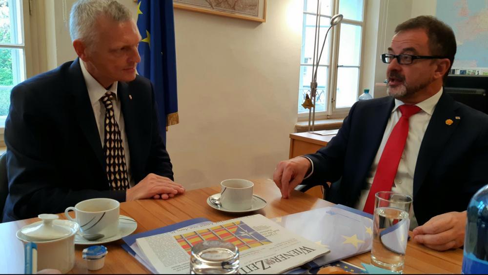 El consller d'Acció Exterior, Alfred Bosch en una reunió a Salzburg