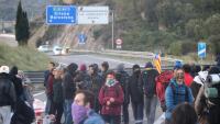 Manifestants ocupant l'autopista AP7 aquest dissabte 19 d'octubre de 2019 a la Jonquera