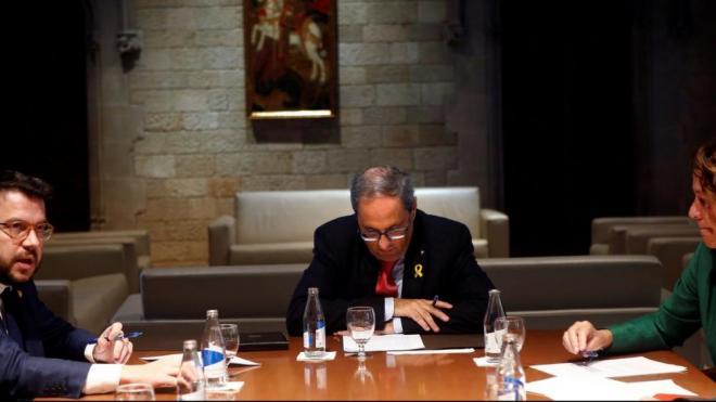 El president de la Generalitat, Quim Torra, reunit amb el vicepresident, Pere Aragonès, i els alcaldes de Girona, Tarragona i Lleida