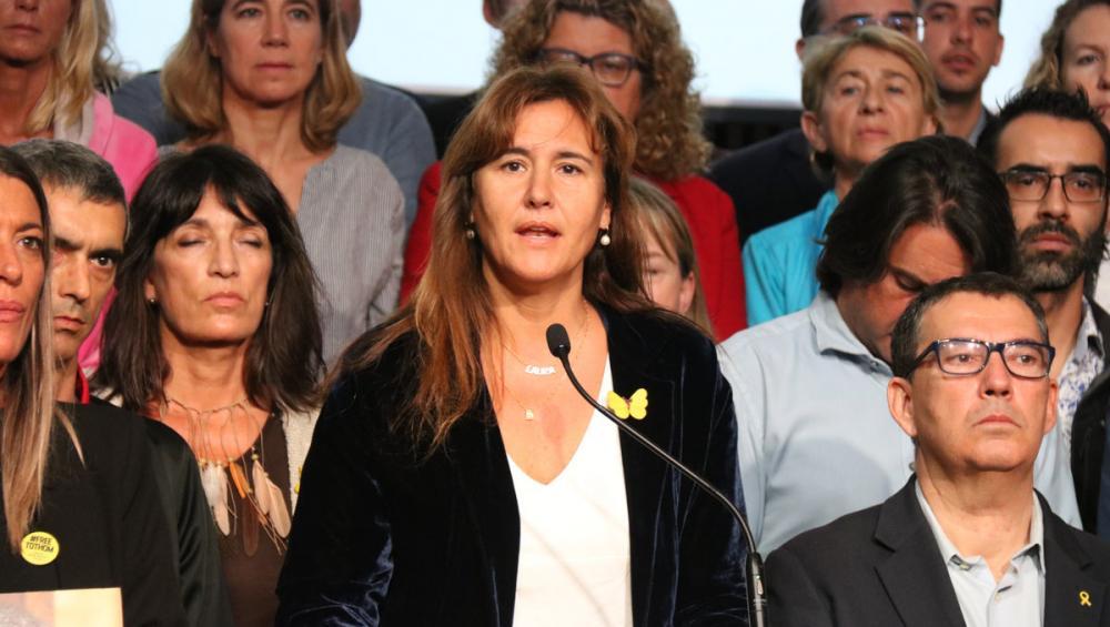 Laura Borràs, ahir, a l'hospital de Sant Pau, amb la resta de candidats de JxCat el 10-N