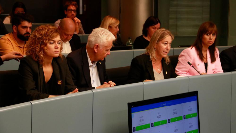 """ERC i JxCat abandonen una comissió de l'Ajuntament i reclamen a Colau """"decisions"""" després de la sentència"""