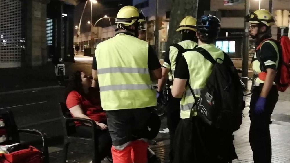 Sanitaris per la República atenen alguns ferits en el centre de Barcelona