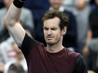 Murray plora i saluda els aficionats
