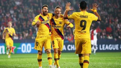 Messi, Arthur i Luis Suárez, en la celebració del 0-1