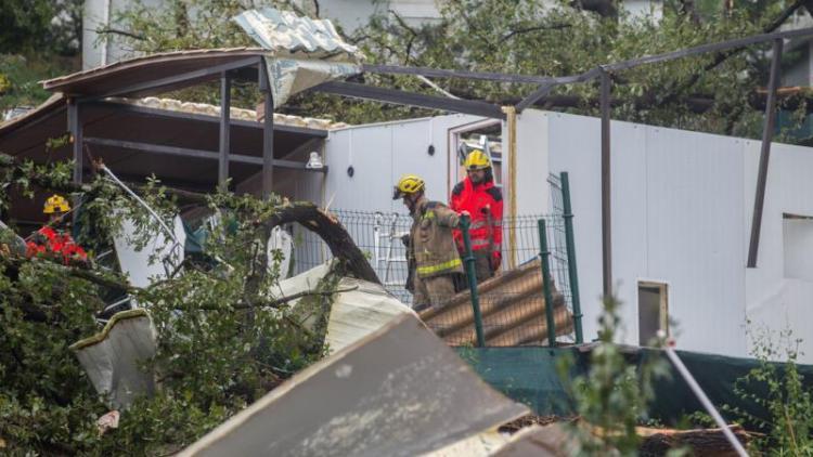 Destrosses al càmping de Gualba afectat per un tornado