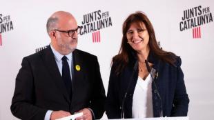 La candidata, Laura Borràs, i el portaveu de JxCat, Eduard Pujol, ahir, valorant els resultats del 10-N