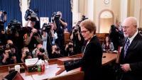 Marie Yovanovitch, just abans de començar el seu testimoni a la Cambra de Representants, a Washington