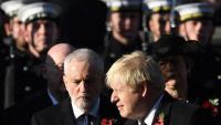 Johnson passa davant Corbyn, en l'homenatge als caiguts de les guerres mundials, el 10 de novembre a Londres