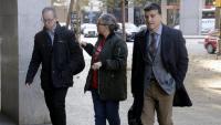 Alguns dels advocats voluntaris que van interposar la querella contra els policies espanyols per la seva actuació el dia 1-O arriben a la seu del tribunal