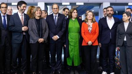 El president de la Generalitat, Quim Torra, i la ministra d'Economia en funcions, Nadia Calviño, van coincidir ahir al saló Smart City Expo World Congress,  on també hi havia les alcaldesses de Barcelona i l'Hospitalet de Llobregat i el conseller de Territori, Damià Calvet, entre d'altres