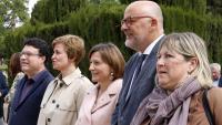 Joan Josep Nuet amb la presidenta i altres membres de la mesa: Anna Simó, Carme Forcadell, Lluís Corominas i Ramona Barrufet. També s'acusa Lluís Guinó i Mireia Boya