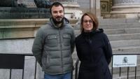 Albert Botran i Mireia Vehí a l'exterior del Congrés dels Diputats