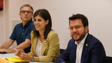 Els diputats Josep Maria Jové i Marta Vilalta, al costat del vicepresident Aragonès, en una imatge del setembre