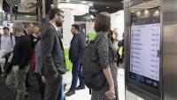 La pantalla interactiva es va poder provar a l'estand d'FGC de l'Smart Mobility Congress