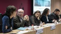 Participants en les jornades sobre els centres d'internament d'estrangers, amb representants de la magistratura, de la fiscalia i de les entitats de drets humans, ahir al Col·legi d'Advocats de Barcelona
