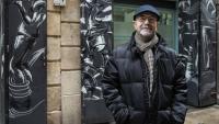 Lluís Cabrera, dijous, davant d'un dels locals del Taller de Músics al Raval de Barcelona
