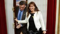 La portaveu de JxCat, Laura Borràs, entrant a l'hemicicle del Congrés amb el diputat aragonès Tomás Guitarte, de Terol Existeix