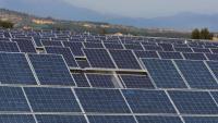 Plaques solars al parc fotovoltaic del municipi d'Ordis, a l'Alt Empordà, en una imatge d'arxiu