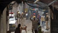 Tragèdia per l'incendi d'una fàbrica il·legal a l'Índia