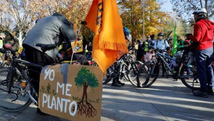 Manifestació en bicicleta a Madrid durant els actes de la cimera social pel clima