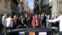 En Guillem, amb la dessuadora taronja, en la roda de premsa a Sant Cugat, al novembre