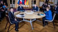 D'esquerra a dreta, Vladímir Zelenski, Emmanuel Macron, Vladímir Putin i Angela Merkel