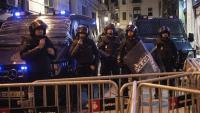 Agents de la policia espanyola durant una de les protestes a la prefectura de Via Laietana