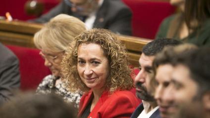 La consellera de Justícia, Ester Capella (ERC) –al centre de la imatge–, durant la sessió del ple del Parlament que es va fer ahir