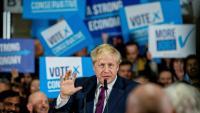 Boris Johnson s'adreça als seus seguidors en un acte electoral a Manchester