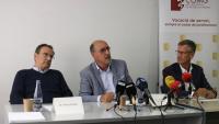 El cap de servei de cirurgia del Trueta, Antoni Codina, el de cardiologia, Ramon Brugada, i el d'endocrinologia, Wilfred Ricart, en la roda de premsa d'aquest dijous