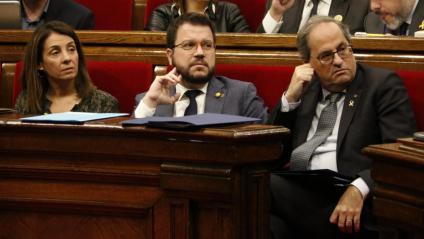 Torra, Aragonès i Budó, ahir, als seus escons del govern al Parlament